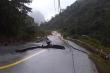 Quốc lộ ở Quảng Bình nứt kinh hoàng sau trận lũ lịch sử