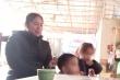 Hai cháu bé bị bỏ rơi trên đê sông Hồng từng được nhà chùa nuôi