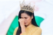 Nhắc tới bức ảnh đi làm ruộng giúp gia đình, Hoa hậu Đỗ Thị Hà bật khóc