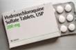 Chuyên gia y tế bác việc dùng thuốc sốt rét ngừa COVID-19