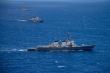 Hai tàu chiến Mỹ áp sát đảo nhân tạo phi pháp của Trung Quốc ở Trường Sa