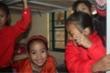 Trời rét hại, trẻ vùng cao mong được đến trường để tắm nước nóng, ngủ chăn ấm