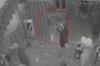 Nghi án côn đồ xông vào nhà dân nổ súng, dùng dao chém 4 người
