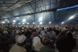 Phớt lờ Covid-19, hàng nghìn người Hồi giáo đổ về Indonesia hành lễ