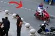Video: Tội phạm bị bắt vì đứng 'hóng' cảnh sát bắt trộm