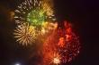 Pháo hoa rực sáng bầu trời Thủ đô mừng năm mới Tân Sửu 2021