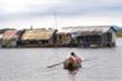 Xúc động lớp học miễn phí giữa lòng hồ thủy điện Trị An của sư thầy