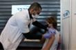 Tiêm vaccine cho toàn dân, Israel chấm dứt hạn chế COVID-19
