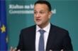 Thủ tướng Ireland xung phong làm bác sĩ chống Covid-19