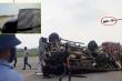 Xe tải vượt đèn đỏ, bị tông lật nghiêng giữa ngã tư