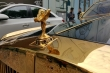 Siêu xe mạ vàng 50 tỷ đồng xuống phố du xuân