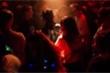 Những kẻ ký sinh vào nhan sắc gái trẻ trong các tiệc rượu trụy lạc