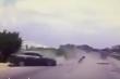 Ô tô con vượt ẩu tông liên hoàn 2 xe khác