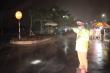 Ảnh: CSGT Bắc Ninh dầm mưa suốt đêm kiểm soát dịch Covid -19