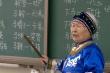 Cụ bà 79 tuổi mở lớp học miễn phí để bảo vệ ngôn ngữ dân tộc Oroqen