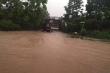 Hà Nội mưa suốt buổi sáng, Đại lộ Thăng Long ngập sâu gần 1m
