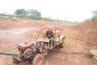 Video: Hồ thủy lợi  ở Đắk Lắk cạn trơ đáy do hạn hán kéo dài