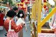 Người Sài Gòn đeo khẩu trang du xuân tại Lễ hội Đường sách Tết Tân Sửu