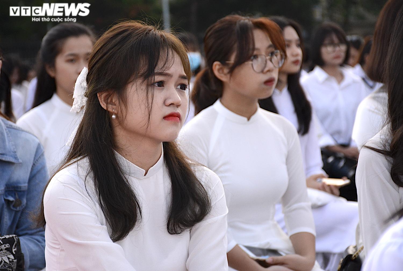 Hút hồn vẻ đẹp nữ sinh Đại học Sư phạm Hà Nội trong tà áo dài ngày khai giảng - 8