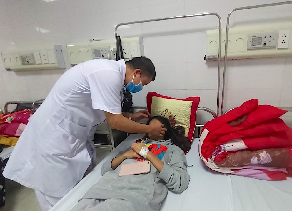 Nữ sinh Thanh Hoá bị đánh hội đồng phải nhập viện: Bộ GD&ĐT yêu cầu xử lý nghiêm - 1